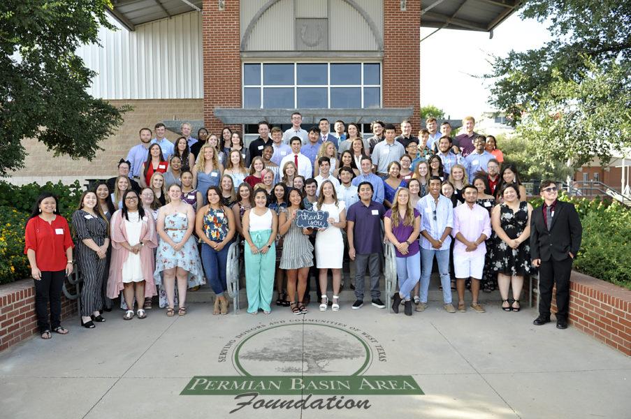 Group Shot 2019 Scholarship Dinner